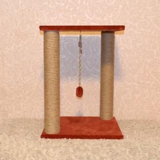 Когтеточка с двумя столбами и квадратной лежанкой