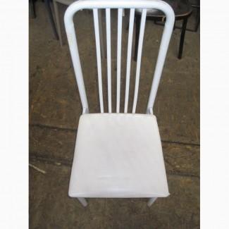 Продам б/у стул металлический белый сиденье кожзаменитель